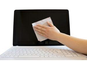 Dizüstü bilgisayarın ekranı nasıl temizlenir?