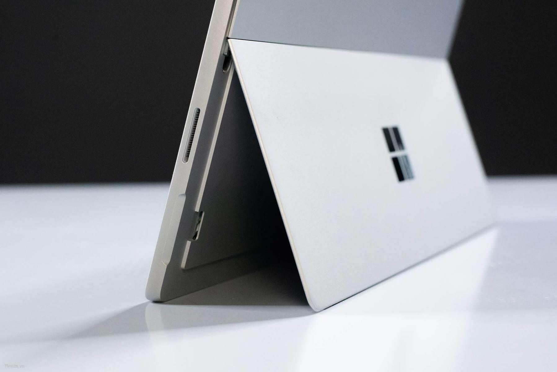 Sızıntıya göre Microsoft Surface Laptop 2 ve Surface Pro 6'da USB-C portu olmayacak