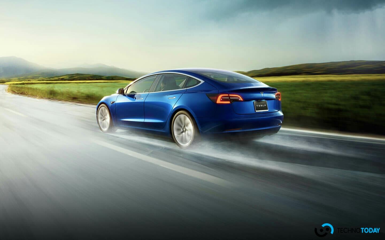 Tesla'nın Model 3'ü Geçen Yıl Dünyanın En Çok Satan Elektrikli Aracı Oldu