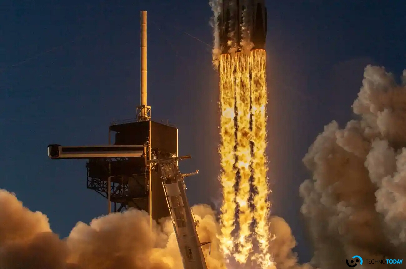 SpaceX Falcon Heavy Roketi Okyanusa Çakıldı
