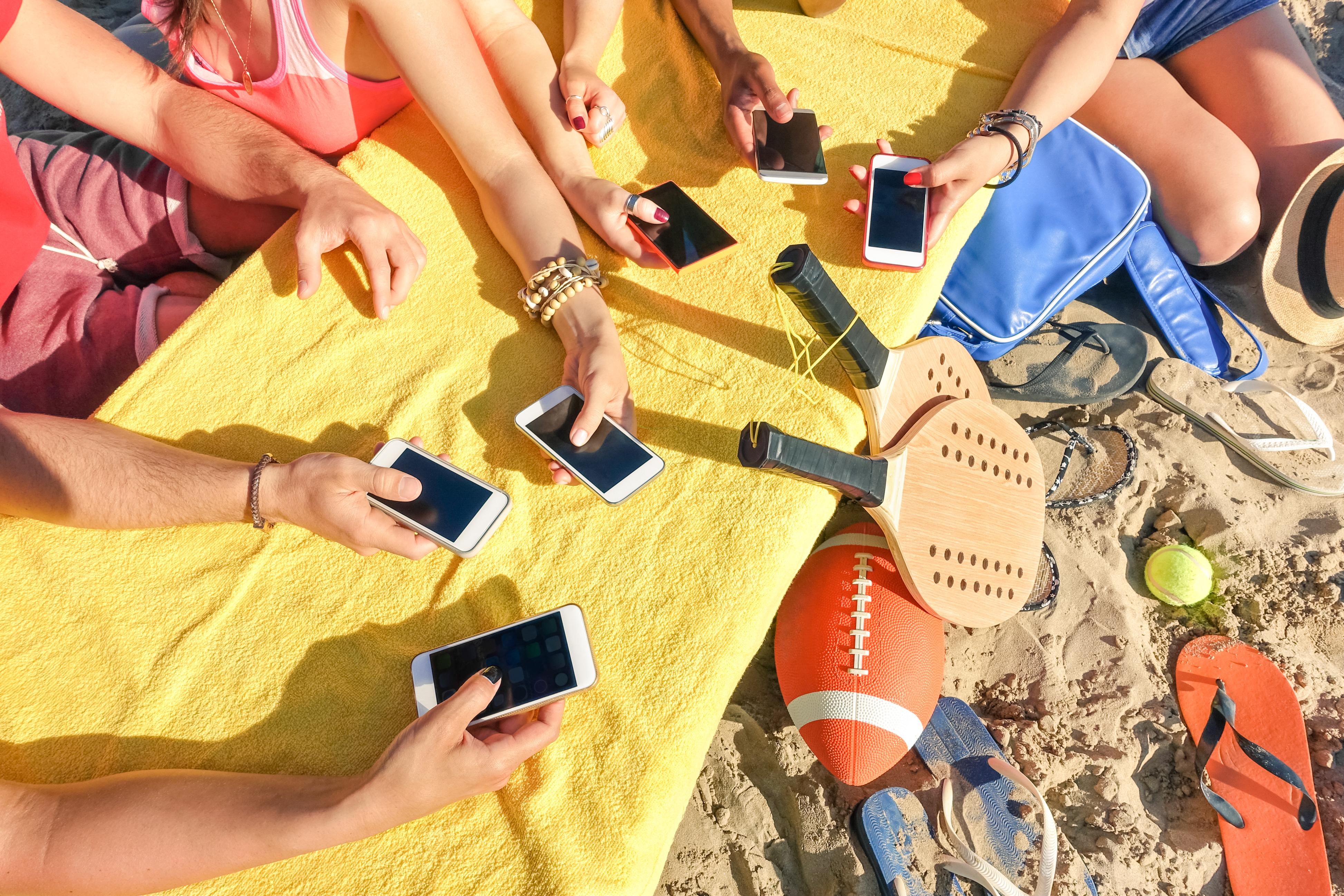 Güneşe Meydan Okuyan Akıllı Telefon ve Tabletler