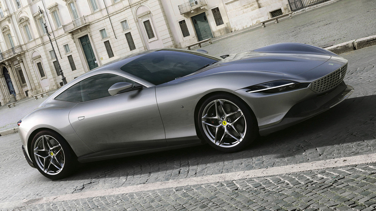 Yeni Ferrari Roma