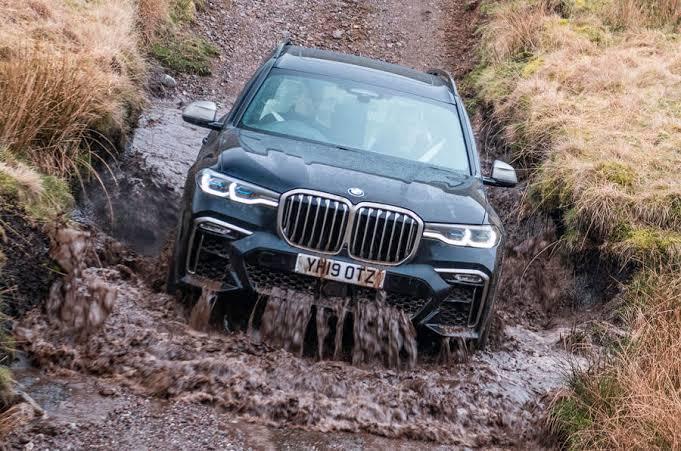 Yeni BMW X7 Arazide Nasıl?