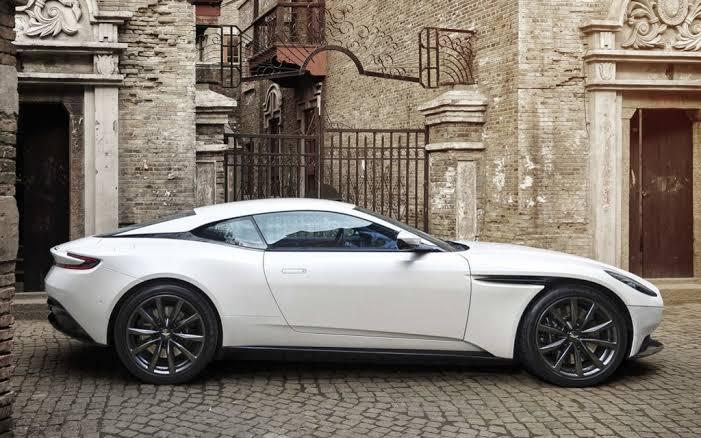2020 Aston Martin DB11 Volante Test Sürüşü!