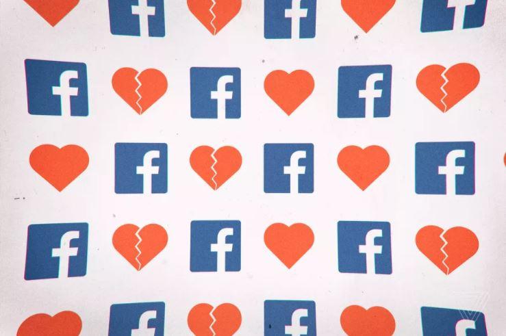 Facebook çalışanların hayatını riske