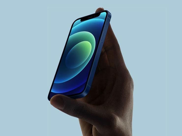 iPhone 12 kullanıcıların elinde