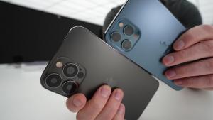 iPhone 13 Pro Max (sol) ve iPhone 12 Pro Max kamera görüntüleri