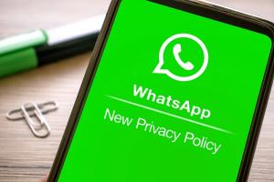 WhatsApp yeni gizlilik sözleşmesinin son kabul tarihinden vazgeçti